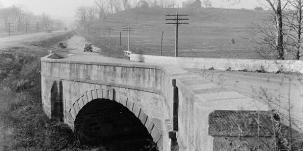 S_Bridge,_West_of_Cambridge,_Cambridge_vicinity_(Guernsey_County,_Ohio)